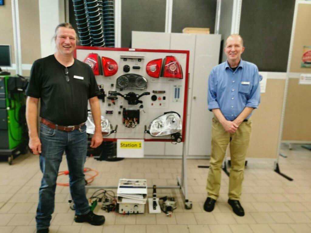 Thomas Adamczak (l.) und Lothar Boschen Ausbilder KFZ Handwerk bei der Kreishandwerkerschaft Mettmann